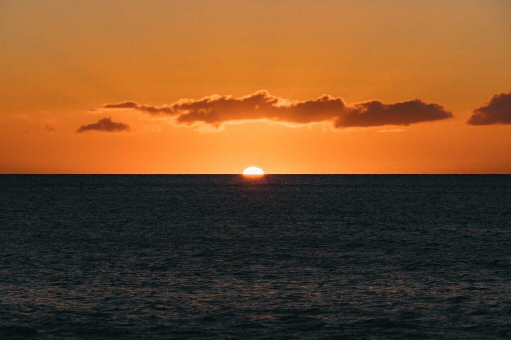 Kona Hawaii sunset green flash at manta ray night snorkel